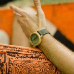 Comment trouver une montre en bois homme pas chère?